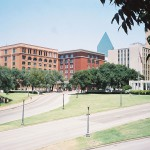 800px-Dealey_Plaza_2003